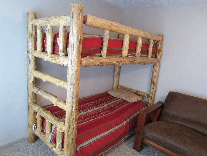 Red Cedar Log Bedroom Furniture - wallacewoodworks
